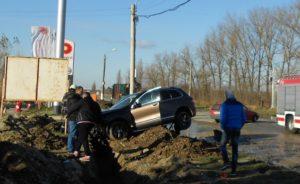 Lugoj Expres Șoferul unei autoutilitare, rănit grav, la ieșirea din Lugoj (FOTO) șofer rănit accident Lugoj accident grav la ieșirea din Lugoj