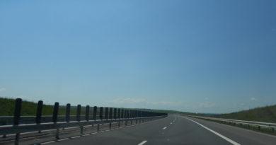Lugoj Expres Atenție! Se execută lucrări pe autostrada A6 lucrări pe autostrada A6 pe sensul de mers Lugoj – Păru lucrări pe autostrada A6 Autostrada A6