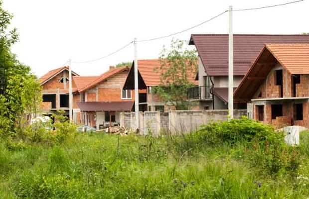 Lugoj Expres Încep asfaltările în cartierul Militari. Se sistează branșamentele la apă-canal se sistează branșamentele într-un cartier din Lugoj primăria lugoj asfaltări în cartierul lugojean Militari
