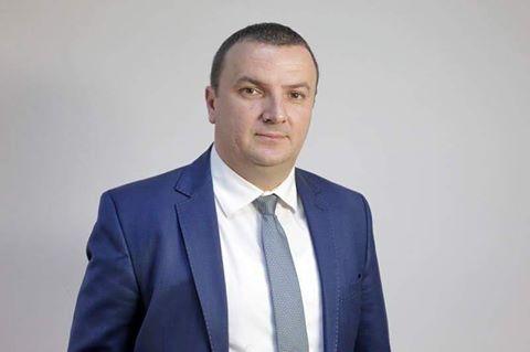 Lugoj Expres Renunță Călin Dobra la mandatul de deputat pentru a candida la președinția Consiliului Județean Timiș? Sorin Grindeanu prim ministru președinția CJT deputat Consiliul Județean Timiș Călin Dobra alianța PSD - PMP - ALDE