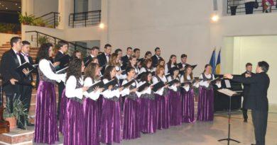 """Lugoj Expres Corul """"Ion Vidu"""" concertează la Universitatea Europeană Drăgan Universitatea Europeană Drăgan Lugoj Corul Ion Vidu Lugoj concert de Crăciun"""