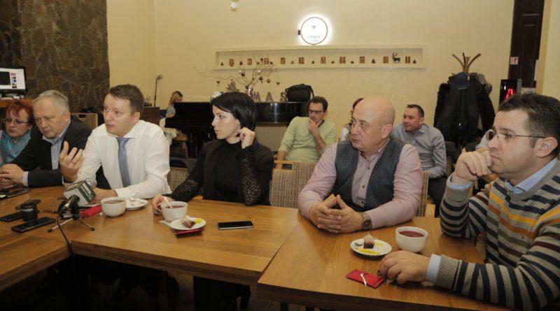 Lugoj Expres Europarlamentarul Siegfried Mureșan, față în față cu tinerii din Timiș (P) Siegfried Mureșan PMP Timiș