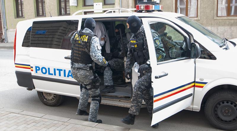Lugoj Expres Polițiștii au reținut cinci urmăriți internațional, la Lugoj urmăriți internaționar urmăriți șantaj Polițiști mandar de arestare Italia IPJ Timiș grup infracțional autorități judițiare arestați