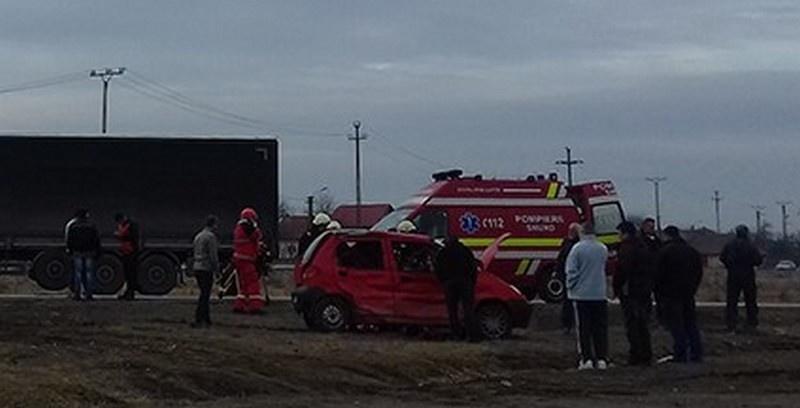 Lugoj Expres Coliziune între un Matiz și un TIR, pe șoseaua de centură a Lugojului femeie rănită coliziune între un Matiz și un Tir accident pe centura Lugojului accident grav