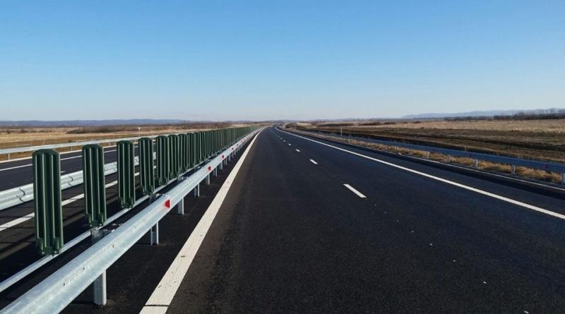 """Lugoj Expres Ministrul Transporturilor a inspectat cei 15 km din lotul 2 al autostrăzii Lugoj-Deva, constatând că... """"mai sunt necesare lucrări de efectuat"""" vizită de lucru șantierul autostrăzii ministrul Transporturilor Lotul 2 autostrada Lugoj - Deva CNAIR autostrada lugoj deva"""