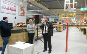 Lugoj Expres Kaufland a deschis, la Lugoj, cel de-al 113-lea hipermarket din România primul hipermarket din Lugoj Kaufland România Kaufland Lugoj hipermarket Alina Argint