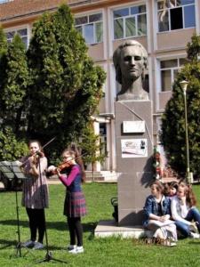 """Lugoj Expres Ziua Mondială a Poeziei a fost sărbătorită și la Lugoj Ziua Mondială a Poeziei Școala Gimnazială nr. 4 Lugoj Școala Gimnazială nr. 3 Lugoj Școala Gimnazială de Muzică """"Filaret Barbu"""" Lugoj moment poetic Lugoj elevi   Lugoj Expres Ziua Mondială a Poeziei a fost sărbătorită și la Lugoj Ziua Mondială a Poeziei Școala Gimnazială nr. 4 Lugoj Școala Gimnazială nr. 3 Lugoj Școala Gimnazială de Muzică """"Filaret Barbu"""" Lugoj moment poetic Lugoj elevi   Lugoj Expres Ziua Mondială a Poeziei a fost sărbătorită și la Lugoj Ziua Mondială a Poeziei Școala Gimnazială nr. 4 Lugoj Școala Gimnazială nr. 3 Lugoj Școala Gimnazială de Muzică """"Filaret Barbu"""" Lugoj moment poetic Lugoj elevi   Lugoj Expres Ziua Mondială a Poeziei a fost sărbătorită și la Lugoj Ziua Mondială a Poeziei Școala Gimnazială nr. 4 Lugoj Școala Gimnazială nr. 3 Lugoj Școala Gimnazială de Muzică """"Filaret Barbu"""" Lugoj moment poetic Lugoj elevi   Lugoj Expres Ziua Mondială a Poeziei a fost sărbătorită și la Lugoj Ziua Mondială a Poeziei Școala Gimnazială nr. 4 Lugoj Școala Gimnazială nr. 3 Lugoj Școala Gimnazială de Muzică """"Filaret Barbu"""" Lugoj moment poetic Lugoj elevi   Lugoj Expres Ziua Mondială a Poeziei a fost sărbătorită și la Lugoj Ziua Mondială a Poeziei Școala Gimnazială nr. 4 Lugoj Școala Gimnazială nr. 3 Lugoj Școala Gimnazială de Muzică """"Filaret Barbu"""" Lugoj moment poetic Lugoj elevi   Lugoj Expres Ziua Mondială a Poeziei a fost sărbătorită și la Lugoj Ziua Mondială a Poeziei Școala Gimnazială nr. 4 Lugoj Școala Gimnazială nr. 3 Lugoj Școala Gimnazială de Muzică """"Filaret Barbu"""" Lugoj moment poetic Lugoj elevi   Lugoj Expres Ziua Mondială a Poeziei a fost sărbătorită și la Lugoj Ziua Mondială a Poeziei Școala Gimnazială nr. 4 Lugoj Școala Gimnazială nr. 3 Lugoj Școala Gimnazială de Muzică """"Filaret Barbu"""" Lugoj moment poetic Lugoj elevi"""