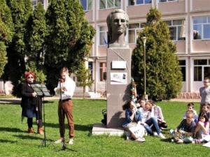 """Lugoj Expres Ziua Mondială a Poeziei a fost sărbătorită și la Lugoj Ziua Mondială a Poeziei Școala Gimnazială nr. 4 Lugoj Școala Gimnazială nr. 3 Lugoj Școala Gimnazială de Muzică """"Filaret Barbu"""" Lugoj moment poetic Lugoj elevi   Lugoj Expres Ziua Mondială a Poeziei a fost sărbătorită și la Lugoj Ziua Mondială a Poeziei Școala Gimnazială nr. 4 Lugoj Școala Gimnazială nr. 3 Lugoj Școala Gimnazială de Muzică """"Filaret Barbu"""" Lugoj moment poetic Lugoj elevi   Lugoj Expres Ziua Mondială a Poeziei a fost sărbătorită și la Lugoj Ziua Mondială a Poeziei Școala Gimnazială nr. 4 Lugoj Școala Gimnazială nr. 3 Lugoj Școala Gimnazială de Muzică """"Filaret Barbu"""" Lugoj moment poetic Lugoj elevi   Lugoj Expres Ziua Mondială a Poeziei a fost sărbătorită și la Lugoj Ziua Mondială a Poeziei Școala Gimnazială nr. 4 Lugoj Școala Gimnazială nr. 3 Lugoj Școala Gimnazială de Muzică """"Filaret Barbu"""" Lugoj moment poetic Lugoj elevi   Lugoj Expres Ziua Mondială a Poeziei a fost sărbătorită și la Lugoj Ziua Mondială a Poeziei Școala Gimnazială nr. 4 Lugoj Școala Gimnazială nr. 3 Lugoj Școala Gimnazială de Muzică """"Filaret Barbu"""" Lugoj moment poetic Lugoj elevi   Lugoj Expres Ziua Mondială a Poeziei a fost sărbătorită și la Lugoj Ziua Mondială a Poeziei Școala Gimnazială nr. 4 Lugoj Școala Gimnazială nr. 3 Lugoj Școala Gimnazială de Muzică """"Filaret Barbu"""" Lugoj moment poetic Lugoj elevi   Lugoj Expres Ziua Mondială a Poeziei a fost sărbătorită și la Lugoj Ziua Mondială a Poeziei Școala Gimnazială nr. 4 Lugoj Școala Gimnazială nr. 3 Lugoj Școala Gimnazială de Muzică """"Filaret Barbu"""" Lugoj moment poetic Lugoj elevi"""
