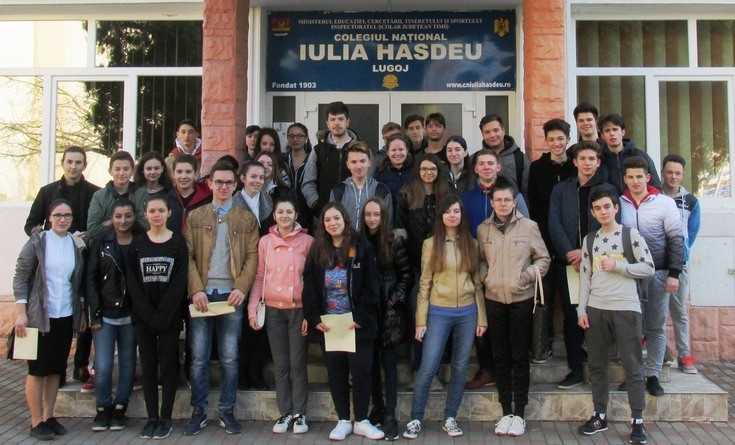 "Lugoj Expres Treasure Hunt. Căutători de comori, în Lugoj Treasure Hunt Școala Altfel Lugoj elevi comori Colegiul Național ""Iulia Hasdeu"" Lugoj"