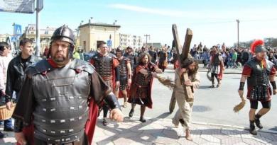 Lugoj Expres Drumul Crucii trece, din nou, prin Lugoj patimile mântuitorului Lugoj drumul crucii Daniel Leș