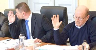 Lugoj Expres Doi consilieri lugojeni solicită abrogarea unei hotărâri a Consiliului de administrație de la Salprest taxa de depozitare a deșeurilor Salprest Marius Martinescu Liviu Brândușoni contencios administrativ consiliu de administrație consilierii lugojeni abrogare
