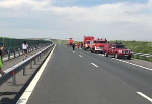 Lugoj Expres Accident pe autostrada A1. A fost activat Planul Roșu de intervenție Planul Roșu oprirea traficului intervenție autostrada A1 accident   Lugoj Expres Accident pe autostrada A1. A fost activat Planul Roșu de intervenție Planul Roșu oprirea traficului intervenție autostrada A1 accident   Lugoj Expres Accident pe autostrada A1. A fost activat Planul Roșu de intervenție Planul Roșu oprirea traficului intervenție autostrada A1 accident