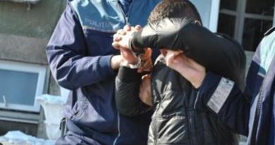Lugoj Expres Tânăr prins la furat într-un imobil din Lugoj tânăr prins la furat minor Lugoj hoț furt flagrant