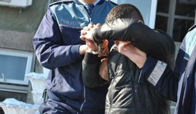 Lugoj Expres Tineri prinși după ce au dat o spargere, la Sudriaș Sudriaș spargere prejudiciu locuință hoti furt