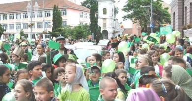 Lugoj Expres S.O.S. Natura! Marș ecologic, la Lugoj SOS Natura Școala Gimnazială nr. 4 Lugoj proiect marș ecologic marș elevi