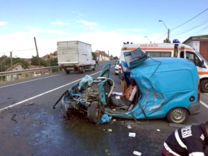 Lugoj Expres Accident grav, cu trei victime, pe DN 6 Lugoj -Timișoara (FOTO) ISU Timiș DN 6 accident Recaș accident grav accident cu victime   Lugoj Expres Accident grav, cu trei victime, pe DN 6 Lugoj -Timișoara (FOTO) ISU Timiș DN 6 accident Recaș accident grav accident cu victime