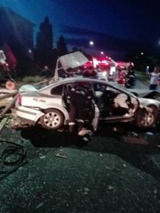 Lugoj Expres Accident violent pe DN6. Cinci victime în urma coliziunii dintre un autoturism VW și o camionetă cu lemne (FOTO) victime Topolovățu Mare răniți grav ISU Timiș DN6 accident
