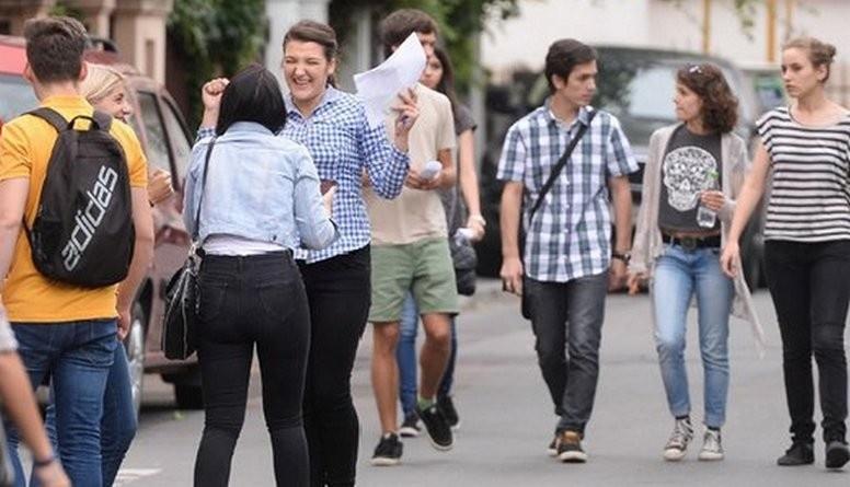 Lugoj Expres Rezultate finale la Bacalaureat! Promovabilitatea în Lugoj a urcat la 61,70%, după contestații rezultate finale promovați promovabilitate liceele din Lugoj elevi contestații candidați Bacalaureat