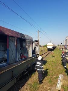 Lugoj Expres Pericol pe calea ferată! O locomotivă care tracta șase cisterne cu butan gaz a luat foc în mers (FOTO) tren pericol locomotivă în flăcări incendiu explozie calea ferată   Lugoj Expres Pericol pe calea ferată! O locomotivă care tracta șase cisterne cu butan gaz a luat foc în mers (FOTO) tren pericol locomotivă în flăcări incendiu explozie calea ferată