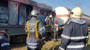 Lugoj Expres Pericol pe calea ferată! O locomotivă care tracta șase cisterne cu butan gaz a luat foc în mers (FOTO) tren pericol locomotivă în flăcări incendiu explozie calea ferată   Lugoj Expres Pericol pe calea ferată! O locomotivă care tracta șase cisterne cu butan gaz a luat foc în mers (FOTO) tren pericol locomotivă în flăcări incendiu explozie calea ferată   Lugoj Expres Pericol pe calea ferată! O locomotivă care tracta șase cisterne cu butan gaz a luat foc în mers (FOTO) tren pericol locomotivă în flăcări incendiu explozie calea ferată   Lugoj Expres Pericol pe calea ferată! O locomotivă care tracta șase cisterne cu butan gaz a luat foc în mers (FOTO) tren pericol locomotivă în flăcări incendiu explozie calea ferată   Lugoj Expres Pericol pe calea ferată! O locomotivă care tracta șase cisterne cu butan gaz a luat foc în mers (FOTO) tren pericol locomotivă în flăcări incendiu explozie calea ferată   Lugoj Expres Pericol pe calea ferată! O locomotivă care tracta șase cisterne cu butan gaz a luat foc în mers (FOTO) tren pericol locomotivă în flăcări incendiu explozie calea ferată   Lugoj Expres Pericol pe calea ferată! O locomotivă care tracta șase cisterne cu butan gaz a luat foc în mers (FOTO) tren pericol locomotivă în flăcări incendiu explozie calea ferată   Lugoj Expres Pericol pe calea ferată! O locomotivă care tracta șase cisterne cu butan gaz a luat foc în mers (FOTO) tren pericol locomotivă în flăcări incendiu explozie calea ferată