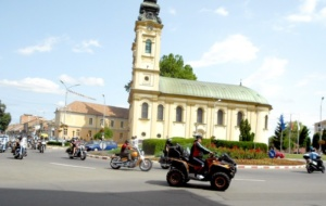 Lugoj Expres Motocicliștii au defilat pe străzile Lugojului. În fruntea coloanei - primarul Francisc Boldea, pe ATV (FOTO) Rock pe 2 Roți Road Patrol MC Lugoj parada motocicliștilor motocicliști festival demonstrații moto acrobații pe motocicletă   Lugoj Expres Motocicliștii au defilat pe străzile Lugojului. În fruntea coloanei - primarul Francisc Boldea, pe ATV (FOTO) Rock pe 2 Roți Road Patrol MC Lugoj parada motocicliștilor motocicliști festival demonstrații moto acrobații pe motocicletă