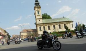 Lugoj Expres Motocicliștii au defilat pe străzile Lugojului. În fruntea coloanei - primarul Francisc Boldea, pe ATV (FOTO) Rock pe 2 Roți Road Patrol MC Lugoj parada motocicliștilor motocicliști festival demonstrații moto acrobații pe motocicletă   Lugoj Expres Motocicliștii au defilat pe străzile Lugojului. În fruntea coloanei - primarul Francisc Boldea, pe ATV (FOTO) Rock pe 2 Roți Road Patrol MC Lugoj parada motocicliștilor motocicliști festival demonstrații moto acrobații pe motocicletă   Lugoj Expres Motocicliștii au defilat pe străzile Lugojului. În fruntea coloanei - primarul Francisc Boldea, pe ATV (FOTO) Rock pe 2 Roți Road Patrol MC Lugoj parada motocicliștilor motocicliști festival demonstrații moto acrobații pe motocicletă
