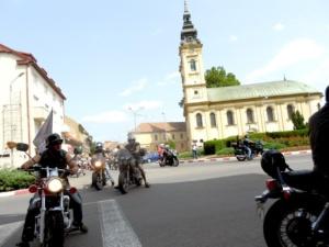 Lugoj Expres Motocicliștii au defilat pe străzile Lugojului. În fruntea coloanei - primarul Francisc Boldea, pe ATV (FOTO) Rock pe 2 Roți Road Patrol MC Lugoj parada motocicliștilor motocicliști festival demonstrații moto acrobații pe motocicletă   Lugoj Expres Motocicliștii au defilat pe străzile Lugojului. În fruntea coloanei - primarul Francisc Boldea, pe ATV (FOTO) Rock pe 2 Roți Road Patrol MC Lugoj parada motocicliștilor motocicliști festival demonstrații moto acrobații pe motocicletă   Lugoj Expres Motocicliștii au defilat pe străzile Lugojului. În fruntea coloanei - primarul Francisc Boldea, pe ATV (FOTO) Rock pe 2 Roți Road Patrol MC Lugoj parada motocicliștilor motocicliști festival demonstrații moto acrobații pe motocicletă   Lugoj Expres Motocicliștii au defilat pe străzile Lugojului. În fruntea coloanei - primarul Francisc Boldea, pe ATV (FOTO) Rock pe 2 Roți Road Patrol MC Lugoj parada motocicliștilor motocicliști festival demonstrații moto acrobații pe motocicletă   Lugoj Expres Motocicliștii au defilat pe străzile Lugojului. În fruntea coloanei - primarul Francisc Boldea, pe ATV (FOTO) Rock pe 2 Roți Road Patrol MC Lugoj parada motocicliștilor motocicliști festival demonstrații moto acrobații pe motocicletă