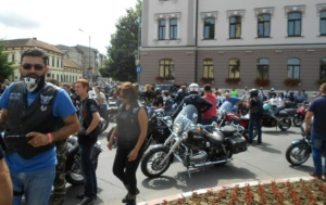 Lugoj Expres Motocicliștii au defilat pe străzile Lugojului. În fruntea coloanei - primarul Francisc Boldea, pe ATV (FOTO) Rock pe 2 Roți Road Patrol MC Lugoj parada motocicliștilor motocicliști festival demonstrații moto acrobații pe motocicletă   Lugoj Expres Motocicliștii au defilat pe străzile Lugojului. În fruntea coloanei - primarul Francisc Boldea, pe ATV (FOTO) Rock pe 2 Roți Road Patrol MC Lugoj parada motocicliștilor motocicliști festival demonstrații moto acrobații pe motocicletă   Lugoj Expres Motocicliștii au defilat pe străzile Lugojului. În fruntea coloanei - primarul Francisc Boldea, pe ATV (FOTO) Rock pe 2 Roți Road Patrol MC Lugoj parada motocicliștilor motocicliști festival demonstrații moto acrobații pe motocicletă   Lugoj Expres Motocicliștii au defilat pe străzile Lugojului. În fruntea coloanei - primarul Francisc Boldea, pe ATV (FOTO) Rock pe 2 Roți Road Patrol MC Lugoj parada motocicliștilor motocicliști festival demonstrații moto acrobații pe motocicletă   Lugoj Expres Motocicliștii au defilat pe străzile Lugojului. În fruntea coloanei - primarul Francisc Boldea, pe ATV (FOTO) Rock pe 2 Roți Road Patrol MC Lugoj parada motocicliștilor motocicliști festival demonstrații moto acrobații pe motocicletă   Lugoj Expres Motocicliștii au defilat pe străzile Lugojului. În fruntea coloanei - primarul Francisc Boldea, pe ATV (FOTO) Rock pe 2 Roți Road Patrol MC Lugoj parada motocicliștilor motocicliști festival demonstrații moto acrobații pe motocicletă   Lugoj Expres Motocicliștii au defilat pe străzile Lugojului. În fruntea coloanei - primarul Francisc Boldea, pe ATV (FOTO) Rock pe 2 Roți Road Patrol MC Lugoj parada motocicliștilor motocicliști festival demonstrații moto acrobații pe motocicletă   Lugoj Expres Motocicliștii au defilat pe străzile Lugojului. În fruntea coloanei - primarul Francisc Boldea, pe ATV (FOTO) Rock pe 2 Roți Road Patrol MC Lugoj parada motocicliștilor motocicliști festival demonstrații moto acrobații pe motocicletă