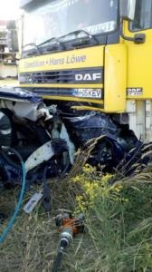Lugoj Expres Accident devastator, între un autoturism și un TIR, pe centura Lugojului (FOTO) șofer decedat persoană încarcerată nenorocire pe șosea ISU Timiș Impact violent centura Lugojului anchetă accident mortal   Lugoj Expres Accident devastator, între un autoturism și un TIR, pe centura Lugojului (FOTO) șofer decedat persoană încarcerată nenorocire pe șosea ISU Timiș Impact violent centura Lugojului anchetă accident mortal