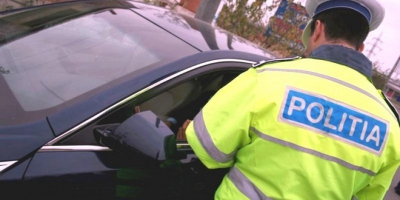 Lugoj Expres Polițiștii lugojeni au aplicat 148 de amenzi, în valoare totală de peste 84.000 de lei sancțiuni contravenționale prevenire polițiștii din Lugoj poliția persoane legitimate permis de conducere Lugoj fapte antisociale autovehicule controlate amenzi activități infracționale acțiune accidente