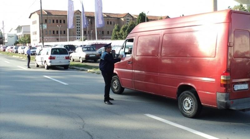 Lugoj Expres Sute de șoferi, sancționați pentru încălcarea regulilor rutiere trafic șoferi sancțiuni reguli rutiere drumuri circulație acțiuni