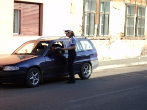 Lugoj Expres Polițiștii au dat sute de amenzi, la Lugoj siguranță civică sancțiuni razie Polițiști infracțiuni control amenzi activități infracționale   Lugoj Expres Polițiștii au dat sute de amenzi, la Lugoj siguranță civică sancțiuni razie Polițiști infracțiuni control amenzi activități infracționale