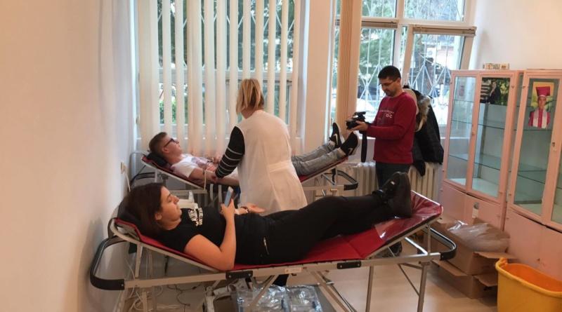 Lugoj Expres O picătură pentru viață! Studenții de la UPT au donat sânge Universitatea Politehnica Timișoara studenți UPT O picătură pentru viață donare sânge campanie