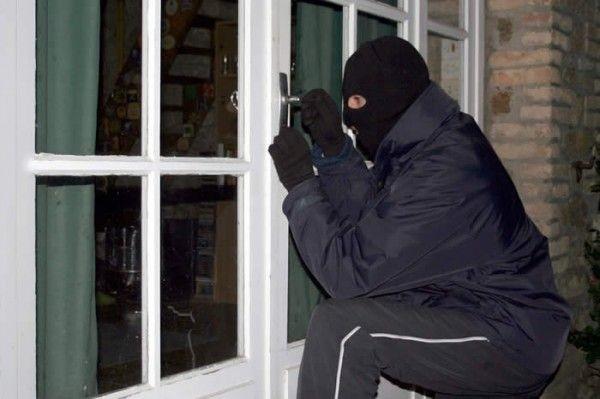 Lugoj Expres Casa primarului din Coșteiu, călcată de hoți spargere primar prejudiciu hoti furt dosar penal