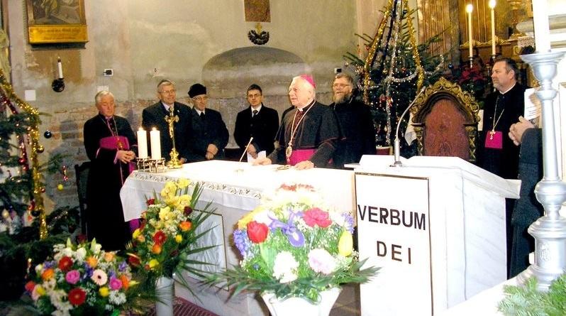 """Lugoj Expres Întâlnire ecumenică, în Biserica Romano-Catolică """"Preasfânta Treime"""" din Lugoj unitatea creștinilor rugăciune Octava de rugăciune pentru unitatea creștinilor întâlnire ecumenică întâlnire biserici Biserica Romano-Catolică"""