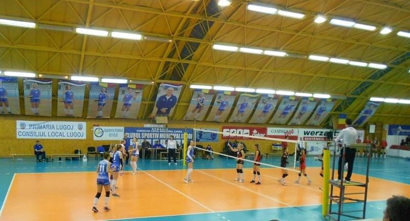 Lugoj Expres Voleibalistele de la CSM Lugoj, eșec usturător cu ultima clasată voleibaliste volei înfrângere eșec Divizia A1 Dinamo CSM Lugoj Cluj