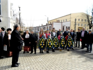 Lugoj Expres Sărbătoare ucraineană: Poetul Taras Șevcenko a fost omagiat la Lugoj (FOTO) Uniunea Ucrainenilor ucraineni Taras Șevcenko spectacol program artistic poet bust   Lugoj Expres Sărbătoare ucraineană: Poetul Taras Șevcenko a fost omagiat la Lugoj (FOTO) Uniunea Ucrainenilor ucraineni Taras Șevcenko spectacol program artistic poet bust   Lugoj Expres Sărbătoare ucraineană: Poetul Taras Șevcenko a fost omagiat la Lugoj (FOTO) Uniunea Ucrainenilor ucraineni Taras Șevcenko spectacol program artistic poet bust   Lugoj Expres Sărbătoare ucraineană: Poetul Taras Șevcenko a fost omagiat la Lugoj (FOTO) Uniunea Ucrainenilor ucraineni Taras Șevcenko spectacol program artistic poet bust