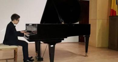 """Lugoj Expres Rezultate excepționale pentru elevii Școlii Gimnaziale de Muzică """"Filaret Barbu"""" Lugoj Școala Gimnazială de Muzică """"Filaret Barbu"""" Lugoj rezultate premii olimpiadă interpretare instrumentala faza zonală elevi"""
