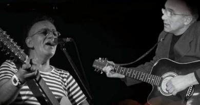 """Lugoj Expres Muzică folk și poezie: """"Cu tine, încă 2000 de ani..."""", la Casa Bredicenilor poezie muzica moment poetic Marius Bațu folk Cu tine încă 2000 de ani concert Casa Bredicenilor"""