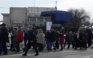 """Lugoj Expres Sute de participanți la """"Marșul pentru viață"""" de la Lugoj viață Protopopiatul Ortodox pro-viață preoți marșul pentru viață marș Lugoj Făget"""