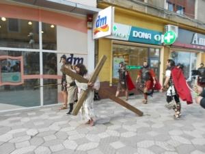 Lugoj Expres Una dintre cele mai cutremurătoare scene biblice, refăcută în Săptămâna Mare, la Lugoj (FOTO) spectacol scenă biblică Săptămâna Mare răstignire patimile mântuitorului Golgota drumul crucii dramatizare crucificat   Lugoj Expres Una dintre cele mai cutremurătoare scene biblice, refăcută în Săptămâna Mare, la Lugoj (FOTO) spectacol scenă biblică Săptămâna Mare răstignire patimile mântuitorului Golgota drumul crucii dramatizare crucificat   Lugoj Expres Una dintre cele mai cutremurătoare scene biblice, refăcută în Săptămâna Mare, la Lugoj (FOTO) spectacol scenă biblică Săptămâna Mare răstignire patimile mântuitorului Golgota drumul crucii dramatizare crucificat   Lugoj Expres Una dintre cele mai cutremurătoare scene biblice, refăcută în Săptămâna Mare, la Lugoj (FOTO) spectacol scenă biblică Săptămâna Mare răstignire patimile mântuitorului Golgota drumul crucii dramatizare crucificat   Lugoj Expres Una dintre cele mai cutremurătoare scene biblice, refăcută în Săptămâna Mare, la Lugoj (FOTO) spectacol scenă biblică Săptămâna Mare răstignire patimile mântuitorului Golgota drumul crucii dramatizare crucificat