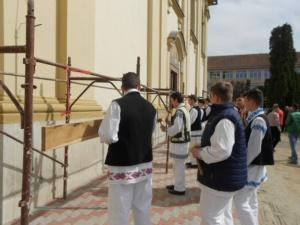 Lugoj Expres Reprezentanții comunității lugojene au bătut toaca, în Joia Mare, în centrul municipiului toaca la Lugoj toaca Lugojana Joia Mare eveniment cântecul   Lugoj Expres Reprezentanții comunității lugojene au bătut toaca, în Joia Mare, în centrul municipiului toaca la Lugoj toaca Lugojana Joia Mare eveniment cântecul   Lugoj Expres Reprezentanții comunității lugojene au bătut toaca, în Joia Mare, în centrul municipiului toaca la Lugoj toaca Lugojana Joia Mare eveniment cântecul   Lugoj Expres Reprezentanții comunității lugojene au bătut toaca, în Joia Mare, în centrul municipiului toaca la Lugoj toaca Lugojana Joia Mare eveniment cântecul   Lugoj Expres Reprezentanții comunității lugojene au bătut toaca, în Joia Mare, în centrul municipiului toaca la Lugoj toaca Lugojana Joia Mare eveniment cântecul