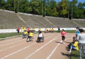 "Lugoj Expres CSHF ""Maraton '93"" Lugoj – 37 de medalii la Cupa ""Danubius"" salbă de medalii persoane cu dizabilități handisport Cupa Danubius CSHF Maraton'93 Lugoj competiție 37 de medalii"