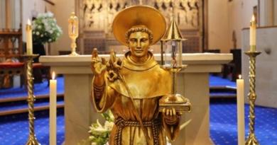 Lugoj Expres Relicva Sfântului Anton de Padova, expusă în Catedrala Greco-Catolică din Lugoj Sfântul Anton de Padova relicva pelerinaj Catedrala Greco-Catolică Lugoj