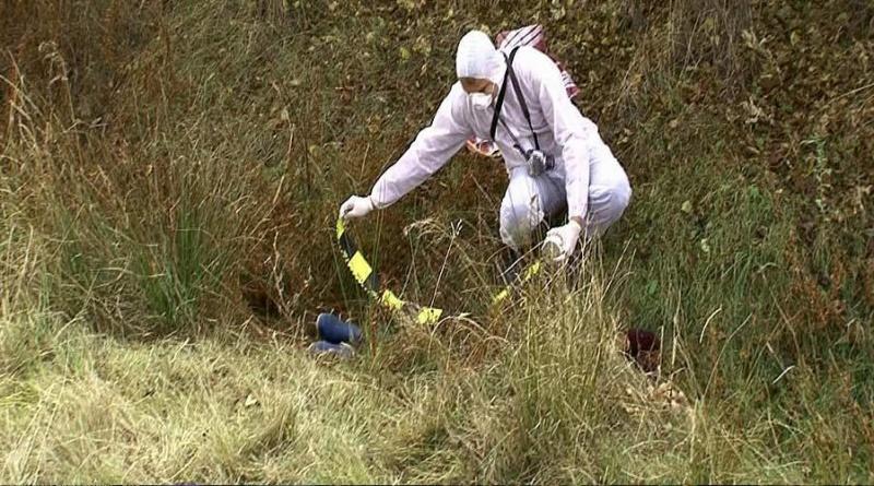 Lugoj Expres Cadavrul unui taximetrist din Lugoj, găsit într-o pădure. Bărbatul a fost ucis de doi tineri taximetrist ucis taximetrist din Lugoj Sinersig pădure omor descoperire șocantă crimă cadavru anchetă abandonat