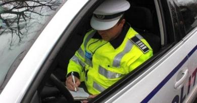 Lugoj Expres Beat și fără permis a intrat într-un șanț cu mașina furată Victor Vlad Delamarina mașina furată infracțiuni furt fără permis dosar penal cercetat beat alcoolemie accident
