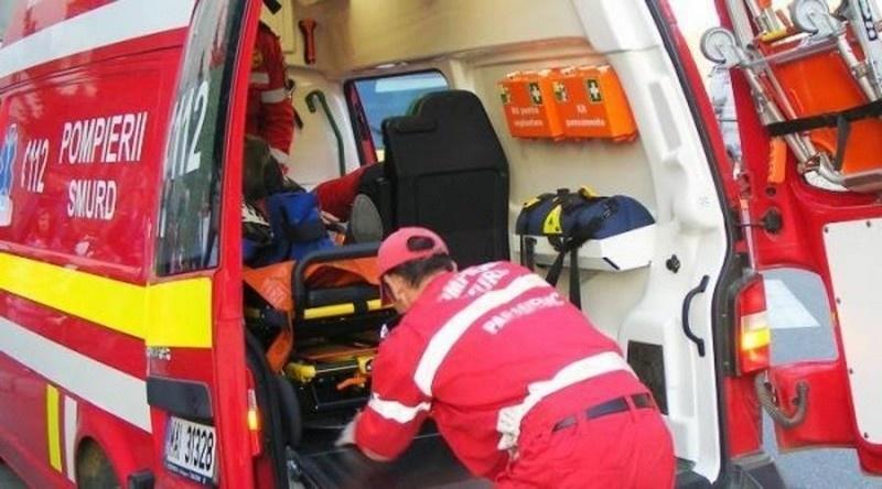 Lugoj Expres Tânără rănită în urma coliziunii a două autovehicule vătămare corporală Tomești tânără rănită șoferiță Impact violent DJ 684 Curtea Coșava coliziune accident