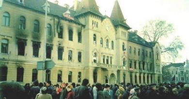 """Lugoj Expres Revoluționarii refuză... propunerea de acordare a titlului de """"Cetățean de onoare al municipiului Lugoj"""" titlu scrisoare deschisă revoluționari revoluție Lugoj refuz protest propunere oraș liber Lugoj distincție decembrie 1989 comunism cetățean de onoare aviz"""