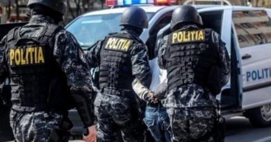 Lugoj Expres Percheziții la Hitiaș! Un bărbat a fost reținut! Polițiști percheziții Lugoj infracțiuni Hitiaș dosar penal contrabandă cămătărie camătă bărbat reținut audieri arest