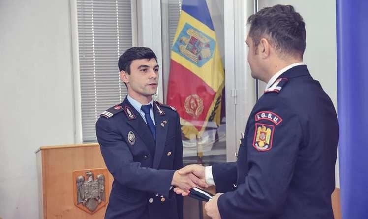 Lugoj Expres Șeful Detașamentului de Pompieri Lugoj, avansat în grad, înainte de termen Ziua Națională ședință festivă pompieri ofițeri ISU Timiș înaintări în grad